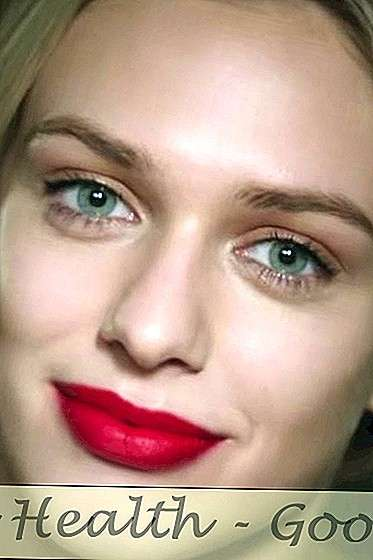 Watch: Perfect Red Lip Tutorial